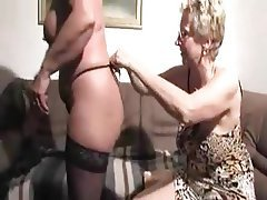 Cunnilingus Granny Lesbian Mature