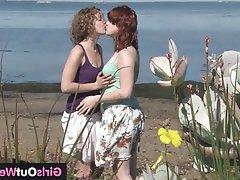 Amateur Cunnilingus Hairy Lesbian Outdoor
