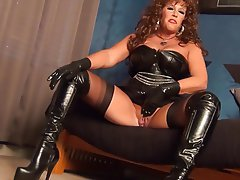 in amateure milf fucked latex