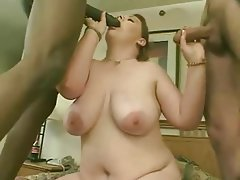 BBW Brunette Facial Threesome