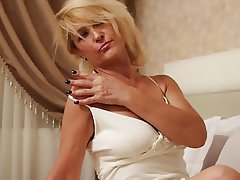 Amateur Blonde MILF Wife