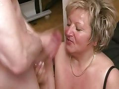 Amateur Anal French Granny Old and Young