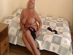 BBW Big Boobs Masturbation MILF