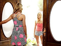 Blonde Cunnilingus Lesbian MILF Teen