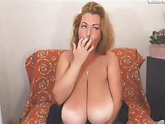Mature saggy tits on cam