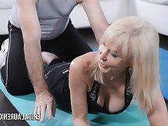 Blonde Cum in mouth Hardcore MILF Pornstar