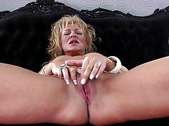 Amateur Granny Mature MILF Pussy