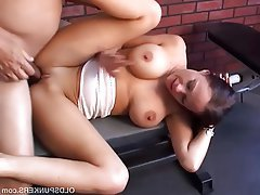 Brunette Mature Cum in mouth MILF