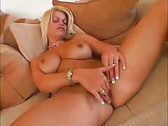 Babe Blonde Masturbation Pussy Solo