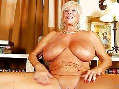 Amateur Granny Mature MILF Big Boobs