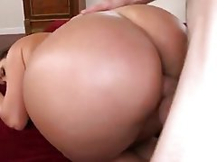 Big Boobs Big Butts MILF