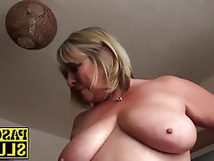 Masturbation Mature MILF Shaved Rubbing