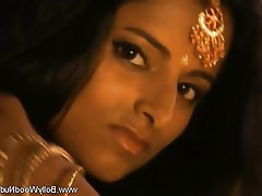Babe Brunette MILF Indian