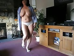 Mature strip amateur
