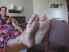Amateur Foot Fetish MILF