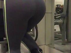 Amateur Babe Brunette Big Butts