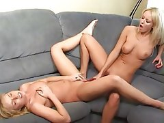 Blonde Cunnilingus Lesbian