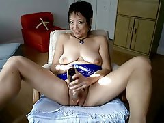 Asian Mature MILF Webcam