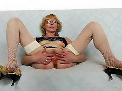 Kinky old spunker fucks her fat juicy pussy for you 2