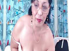 Amateur Brunette MILF Webcam