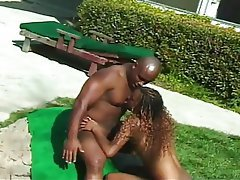 Babe Blowjob Outdoor