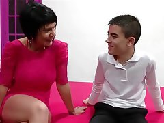 Los consoladores hot ffm threesome with australian babe - 3 part 3