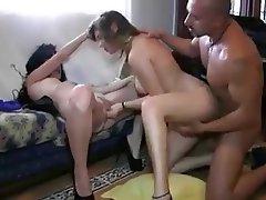 Trio brutal de brunoymaria con dos bellezones y un macho - 3 part 3