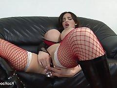 Big Boobs Brunette Cumshot Pornstar