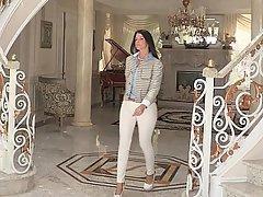 Ass Brunette Housewife MILF