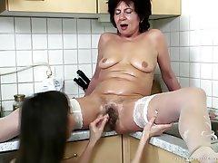 lesbian-granny-fisting-tube