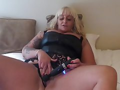Blonde British Squirt